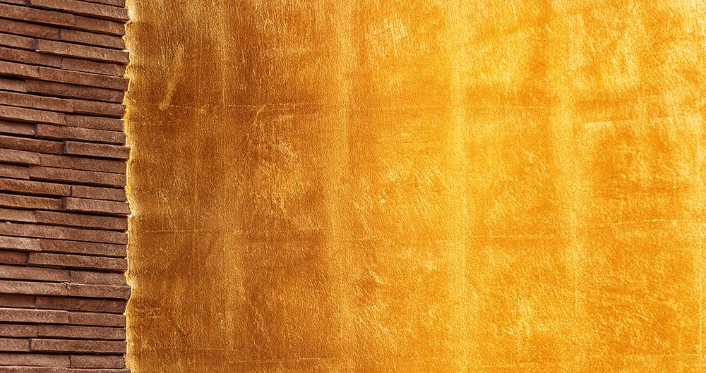 <b>Золотая поталь </b><span>В оформлении использована техника нанесения листовой потали </span>