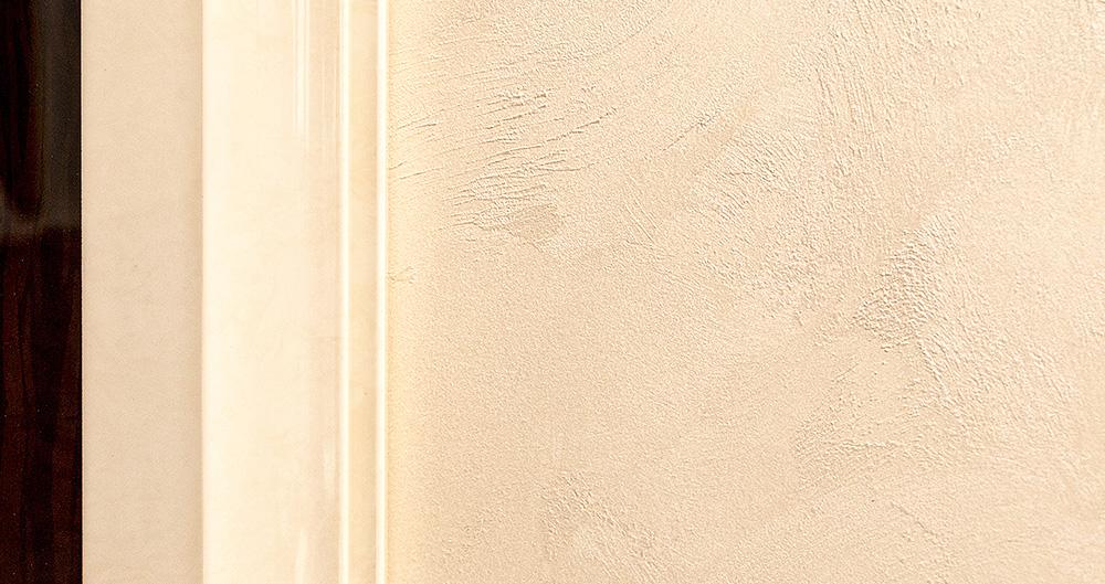 <b>Декоративная покраска с текстурой велюра</b><span>В оформлении использованы декоративные материалы от ТМ La Calce Del Brenta</span>