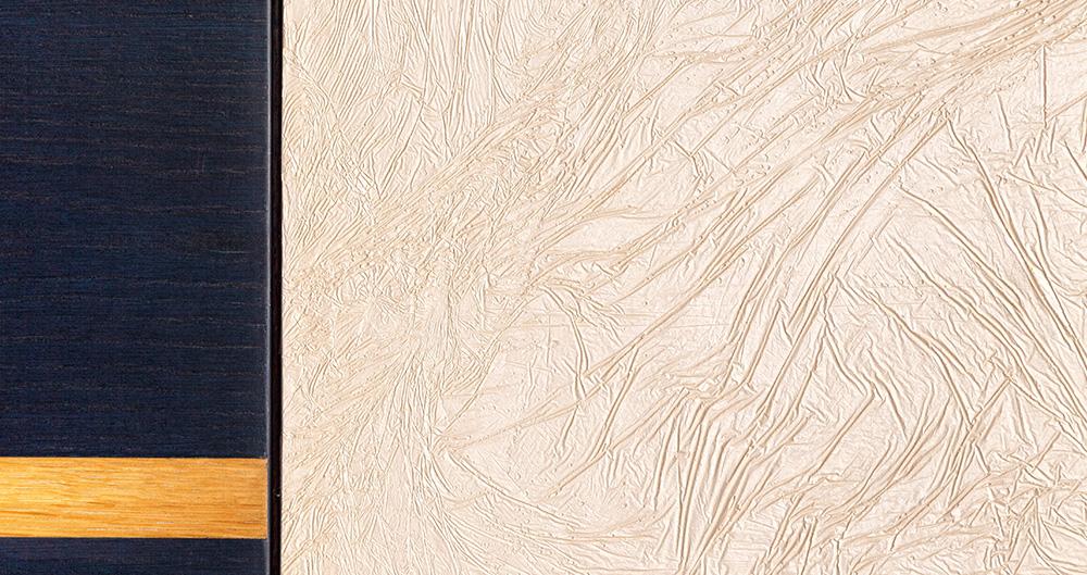"""<b>Техника нанесения - """"Папирус""""</b><span>В оформлении использована декоративная штукатурка VIVALDI STUCKY и покраска с эффектом перламутра </span>"""
