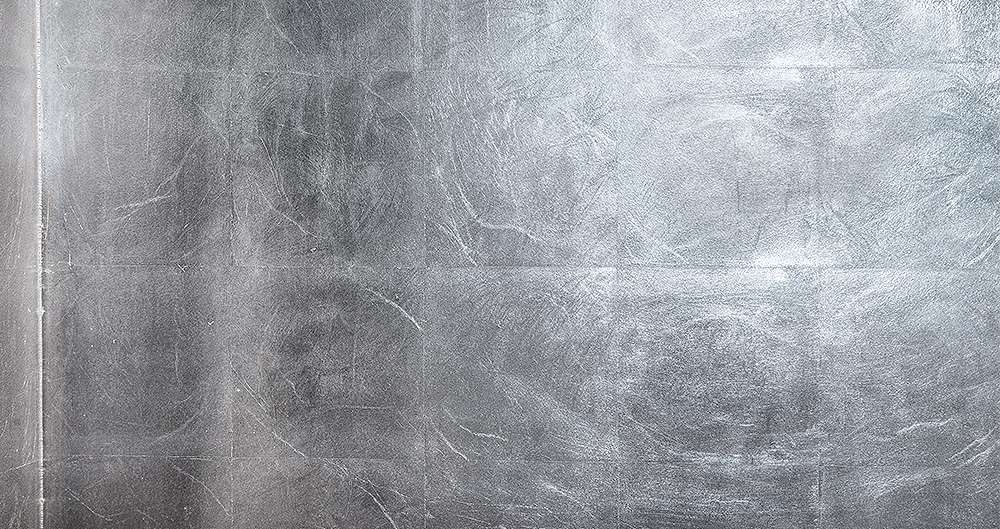 <b>Серебряная поталь </b><span>В оформлении использована техника нанесения листовой потали </span>